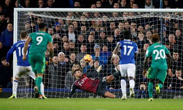 Everton penalty saved